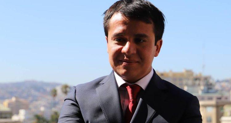 Photo of Delicado estado de salud de Seremi Francisco Alvarez lo mantiene en UCI